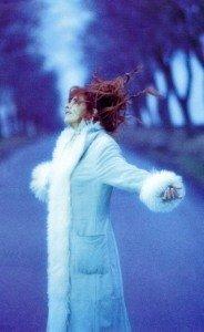 Mini album de Mylène F avec H.Biggs dans Mylène en CONFIDENCES 2000-Claude-Gassian-029b-184x300