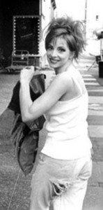 Dans le sac de Mylène Farmer dans Mylène 1982 - 1984 f6-148x300