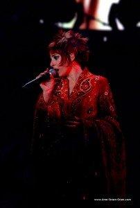 DEVANT SOI : chanson de Mylène Farmer dans Mylène AU FIL DES MOTS mfbercy2006_11a-202x300