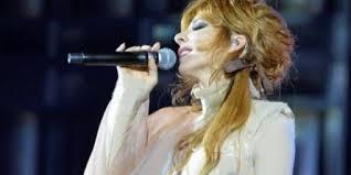 Mylène en concert à Nantes dans Mylène 2013 - 2014 telechargement-4