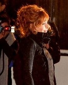 220px-Mylène_Farmer_NRJ_Music_Awards_2012