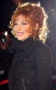 hanteuse-mylene-farmer-au-nrj-music-awards-en-janvier-2012